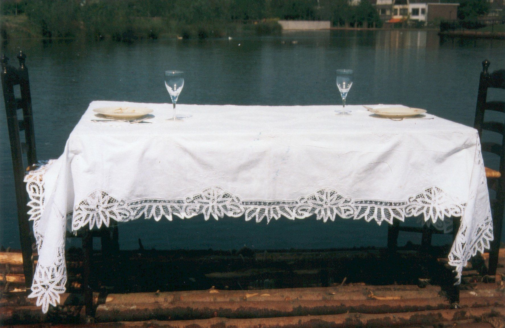 16_set-table-3